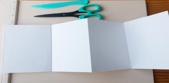 Estructura de mini álbum para fotos tipo acordeón.