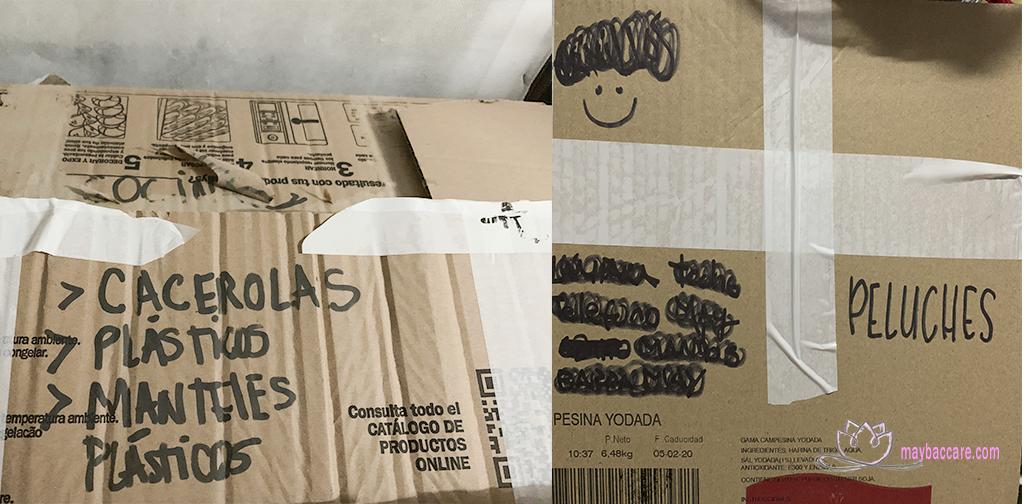 Etiqueta el contenido de las cajas en una mudanza